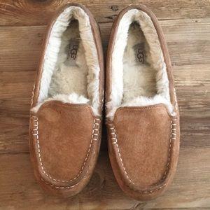 UGG Ansley Sheepskin Chestnut slippers/moccasins